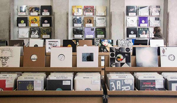 Best Record Shops in the Netherlands-Bordello a Parigi-Clone