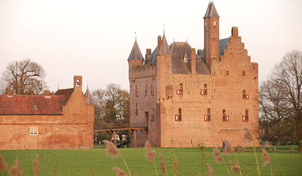 must visit castles-doornenburg