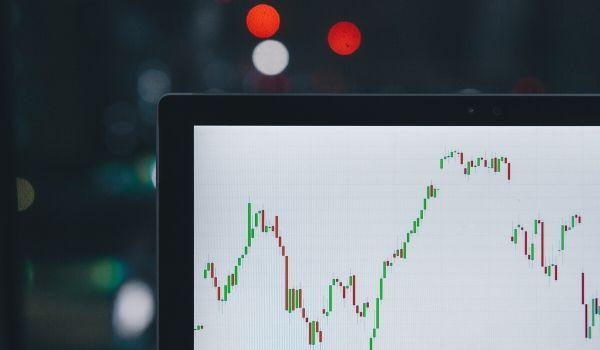 Chasing Momentum Investor Bias-featured