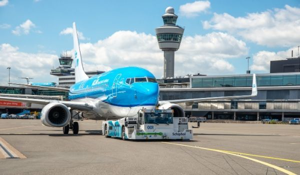 KLM TaxiBot-featured