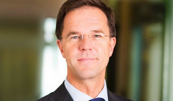 Mark Rutte-Zwarte Piet-featured