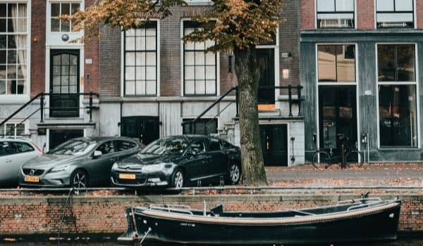 Parking & Parking Regulations in The Netherlands-featured