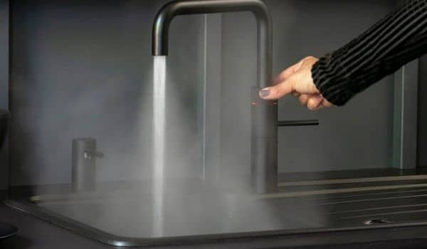 Kitchen Design Trends-black sink-quooker